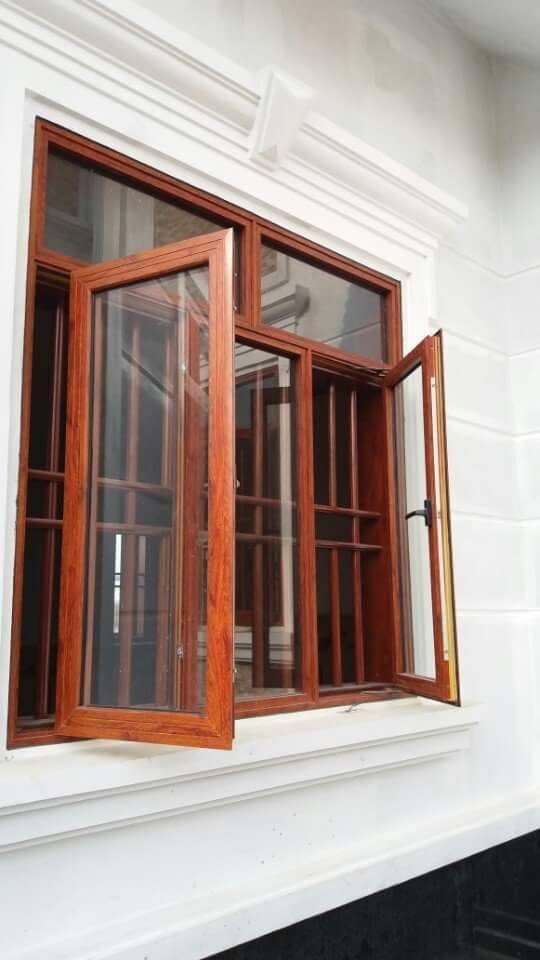 Cửa sổ nhôm vân gỗ