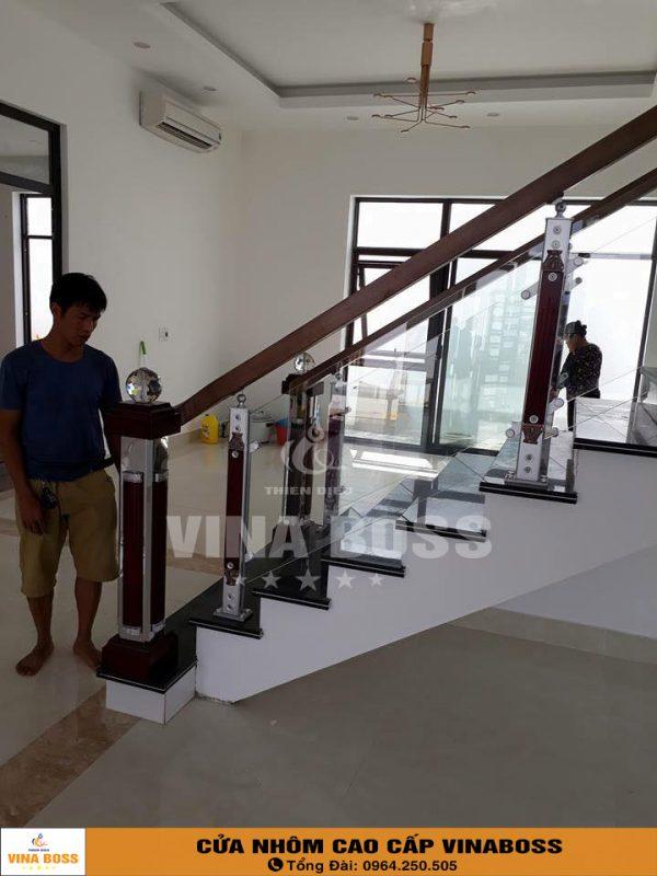 CAU-THANG-KINH